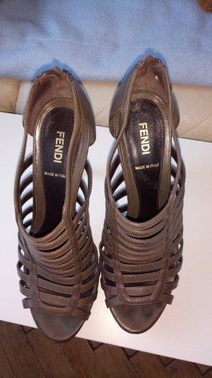 Wunderschöne Fendi Sandalen , Leder