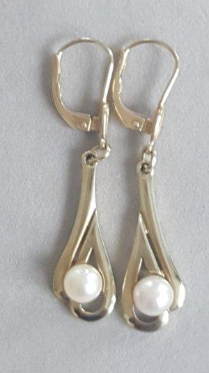 Wunderschöne goldene Ohrringe mit echter Südseeperle