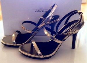 Wunderschöne goldene Sandaletten von &Other Stories