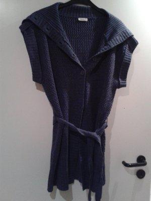 wunderschöne Grobstrickjacke Strickjacke in angesagtem blau / Royalblau