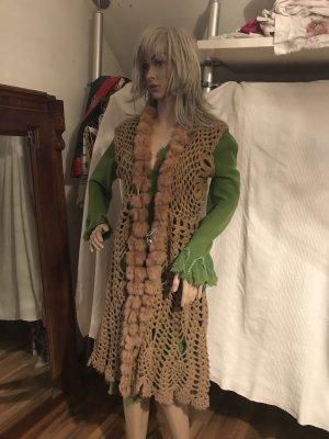Cardigan en crochet chameau
