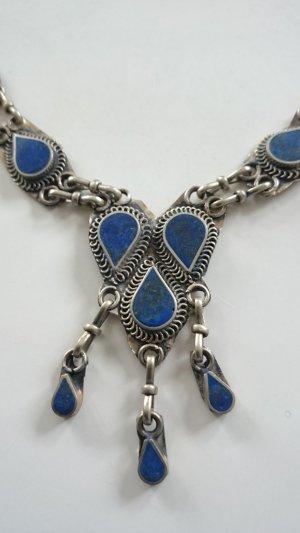 Collier argenté-bleu métal