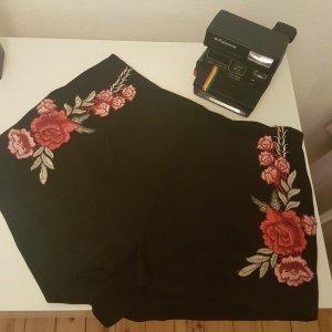 Wunderschöne Hotpants mit Rosenstickereien