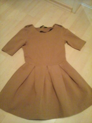 Wunderschöne Karamel Kleid von Zara