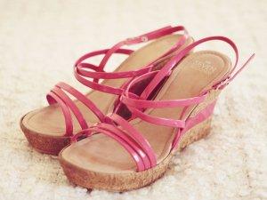 Wunderschöne Keilabsatz-Sandalette in Pink