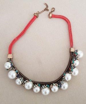 Wunderschöne Kette mit großen Perlen