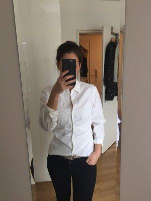 Wunderschöne, langärmlige, taillierte BOSS-Bluse in weiss