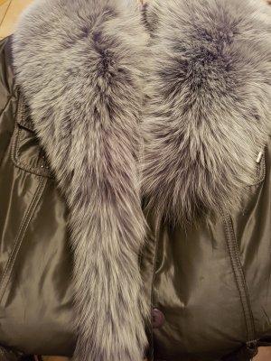 Wunderschöne Mantel  mit Pelz