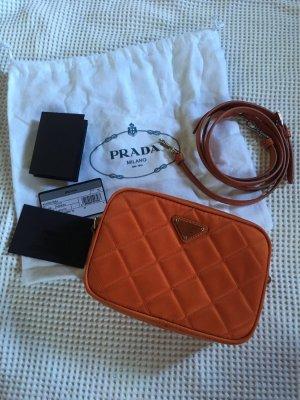 Wunderschöne neue Crossbody Tasche von Prada