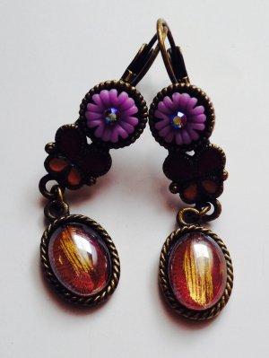 wunderschöne Ohrringe. Farbe: lila