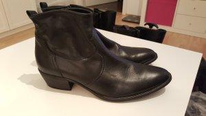 Wunderschöne Paul Green Stifeletten aus schwarzem Leder