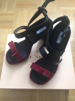 Wunderschöne Prada Sandaletten aus Samt - Neu & ungetragen, Gr. 38,5