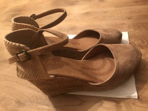 0039 Italy Wedge Pumps beige-camel