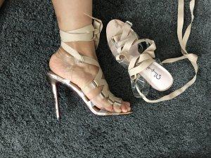Wunderschöne Sandalen aus perplex