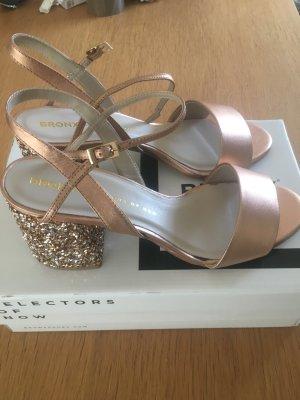 Wunderschöne Sandalen mit Glitzerblockabsatz