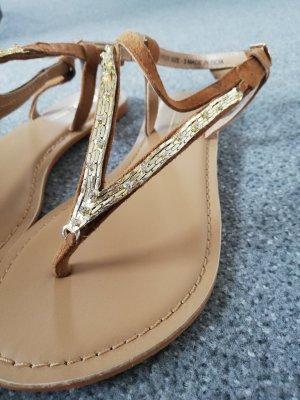 wunderschöne Sandalen mit Riemchen