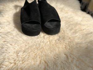 Wunderschöne Sandaletten aus Wildleder !!