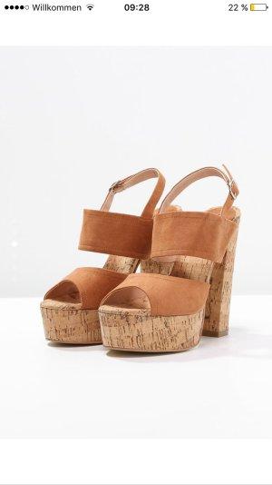 Wunderschöne Sandaletten von Buffalo