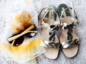 Wunderschöne Sandaletten von ZARA in Gold, Gr. 40