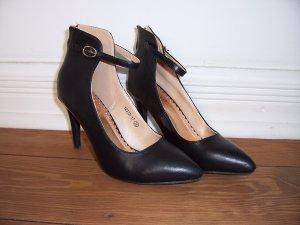 wunderschöne schwarze High Heel Pumps mit Riemen von  C`M Paris * Gr. 38