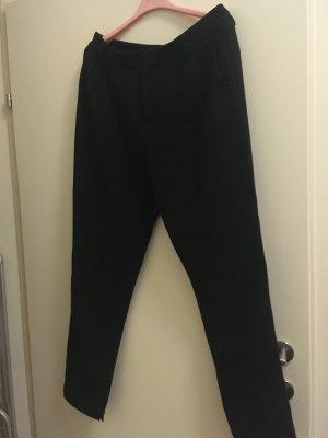 Wunderschöne schwarze Hose von Steffen schraut, Größe 40. die Hose würde nur 1x getragen. Neupreis um die 200 Euro