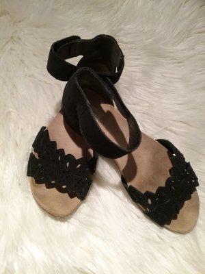 Wunderschöne schwarze   Sandalen von RIEKER...Top  Zustand!!!