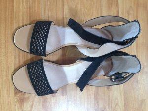 Wunderschöne schwarze Sandaletten mit Riemen am Knöchel in Gr.39