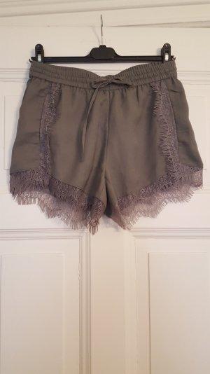 wunderschöne Shorts mit Spitze