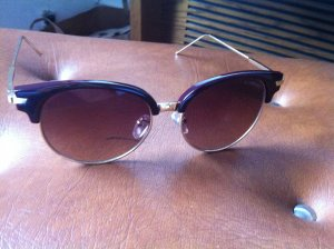 Wunderschöne Sonnenbrille NEU !!!