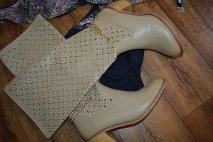 Wunderschöne Stiefel in beige mit Lochmuster Gr. 40 von Haver