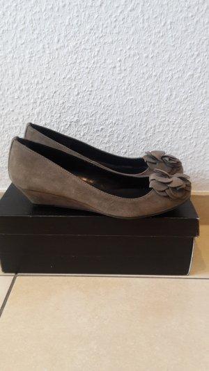 Wunderschöne Wildleder Schuhe von More&More.