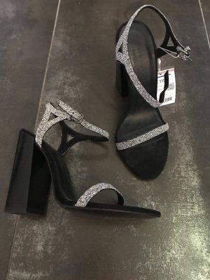 Wunderschöne Zara High Heel Sandaletten mit Swarowski Steinchen in gr. 36