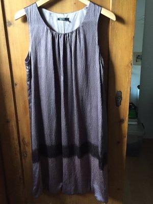 Wunderschönen Seiden Kleid