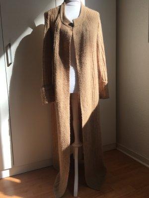 Wunderschöner beiger Cardigan für den winterlichen Look