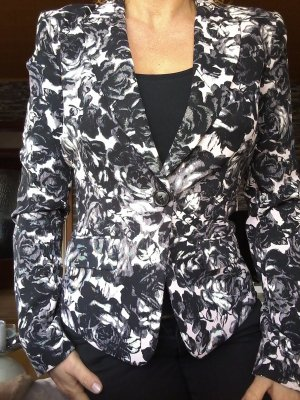 Wunderschöner Blaser in Schwarz und Rosa von H&M...wie NEU!!!