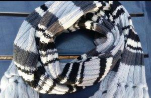 Bufanda negro-gris claro
