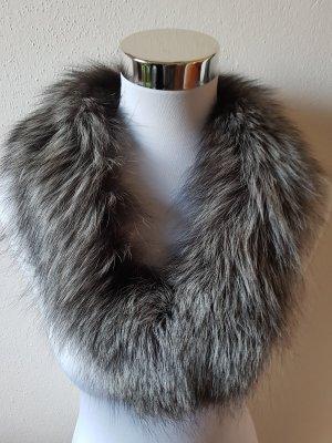 Bufanda marrón grisáceo