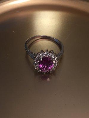 wunderschöner lila Ring - Kate Middleton Stil