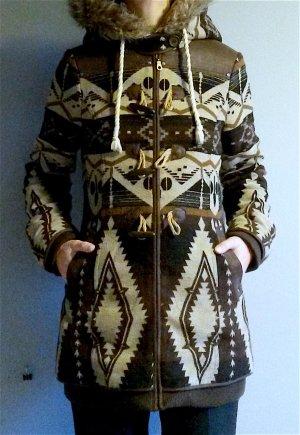 Wunderschöner Mantel mit Ethnomuster von Dreimaster in super Zustand