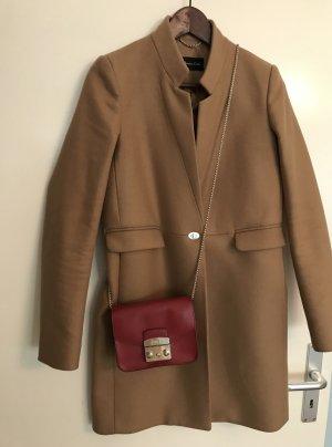 Wunderschöner Mantel von Massimo Dutti in Kamel