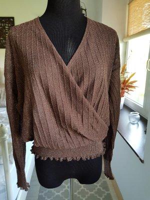 Wunderschöner Pullover mit Metallgarn
