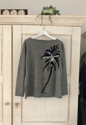 Wunderschöner Pullover mit Palmenprint