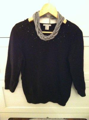 Wunderschöner Pullover mit Perlenapplikationen