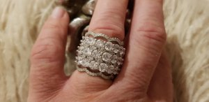 ➰Wunderschöner Ring aus 925er Silber mit weißen Zirkonia...NEU!!!➰