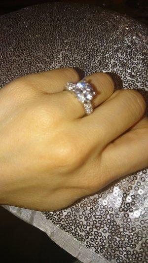 Wunderschöner Ring aus Silber