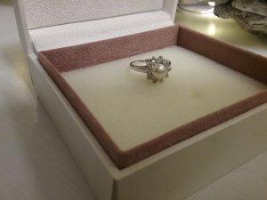 Wunderschöner Ring in Silber 925 von italienische Desinger!!!!Tolle Idee zum Weihnachtsgeschenk!!!!