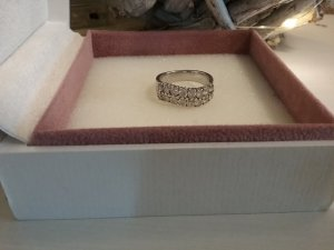 Wunderschöner Ring von italienische Desinger  - 925 Silber und  Weiße Zirkonia