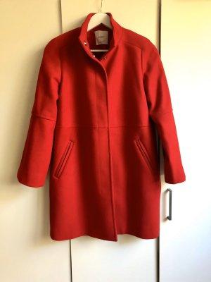 Wunderschöner roter Mantel von MANGO