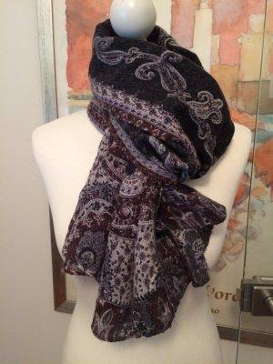 Wunderschöner Schal in herbstlichen Farben