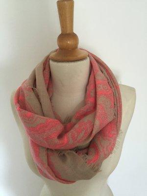 Wunderschöner Schal von Codello